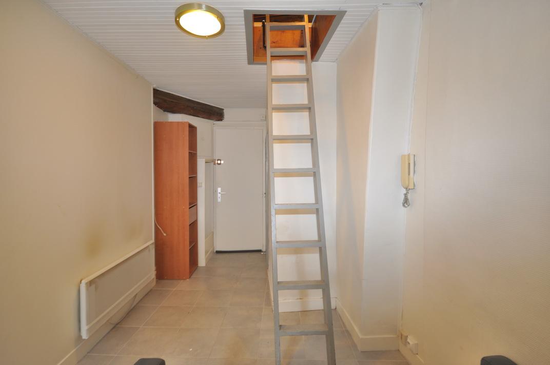 studette melun escalier